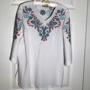 Lifestyle V-neck blouse, Large with embroidery